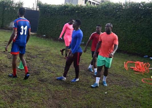 Bassogog s'entraine au Cameroun