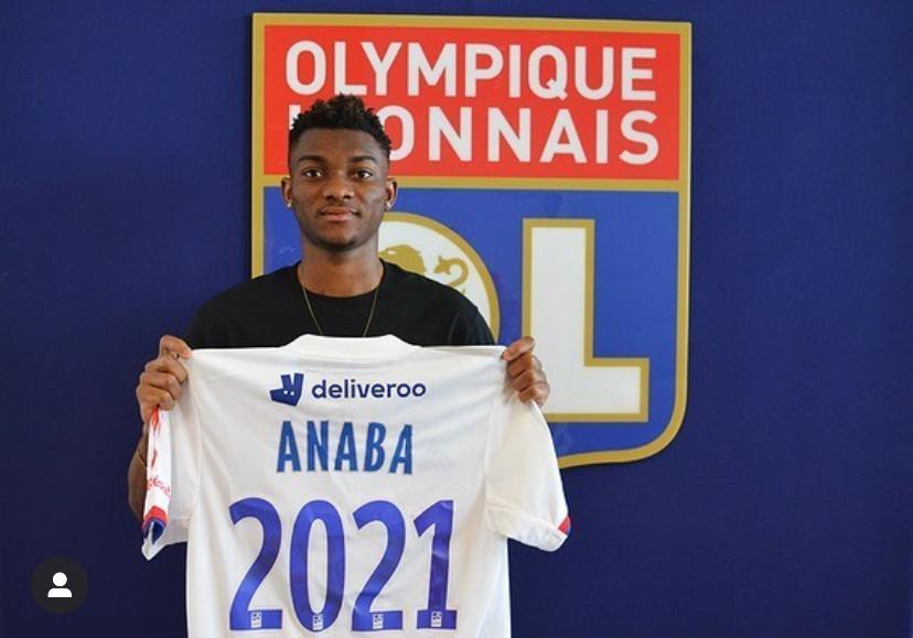 Raphael Anaba signe à l'Olympique Lyonnais