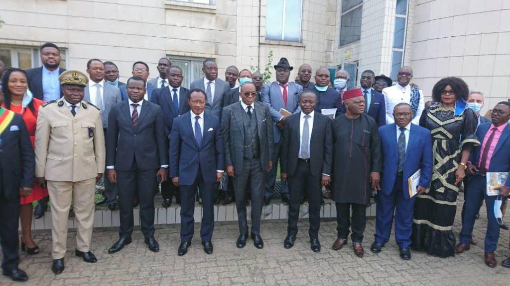 Nganou Djoumessi reçoit une claque à Douala