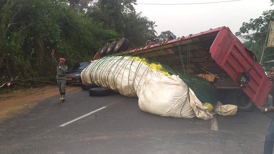 ECONOMIE : L'axe-lourd Douala – Yaoundé, bloqué pendant quatre heures