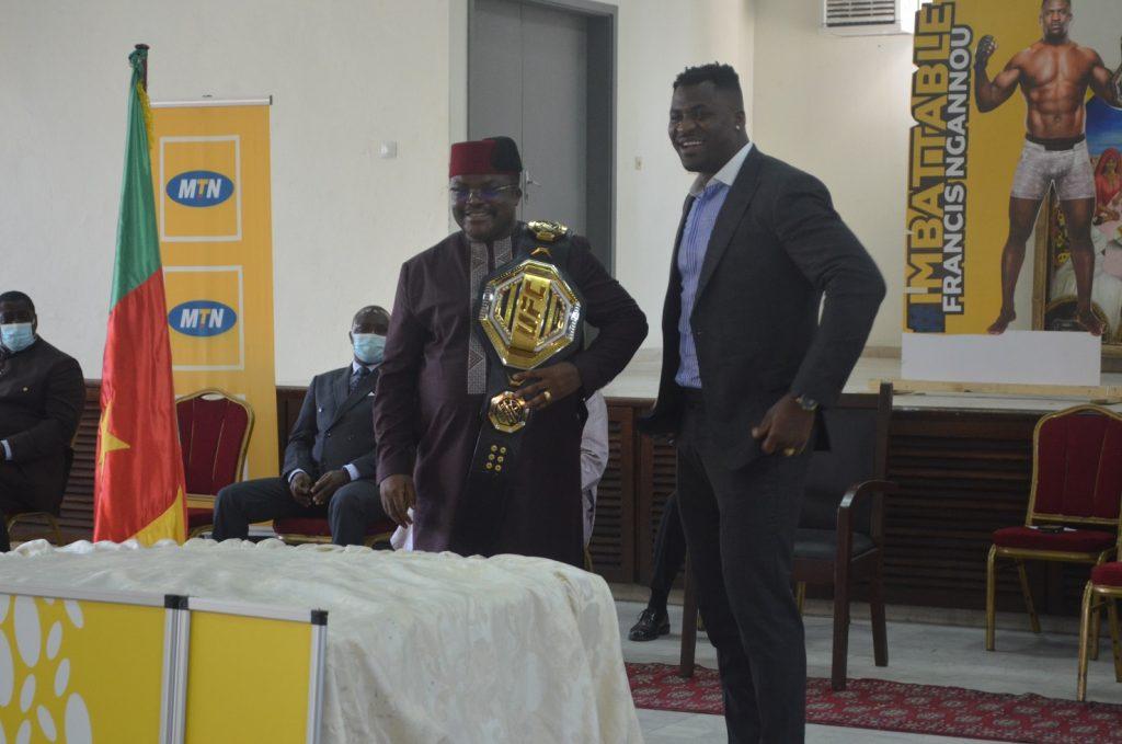 Francis Ngannou : « je vous donne ma ceinture »