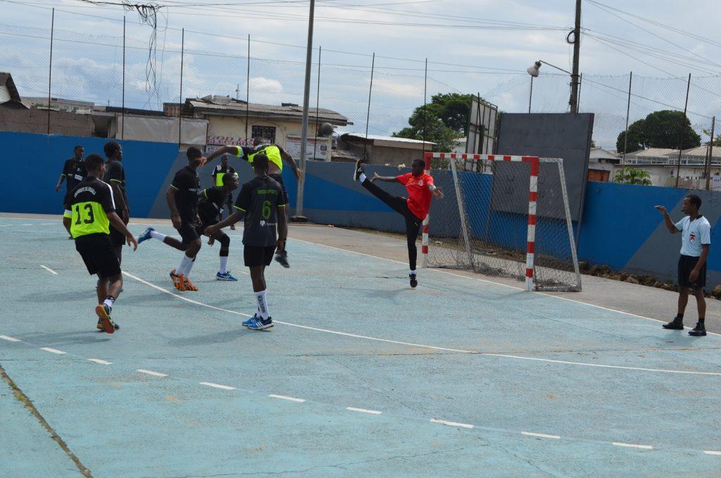 Dreams Sports domine l'Université de Douala